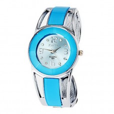 Women Blue Round Dial Bracelet Watch