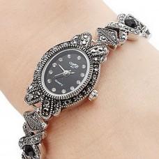 Women Alloy Quartz Analog Bracelet Watch